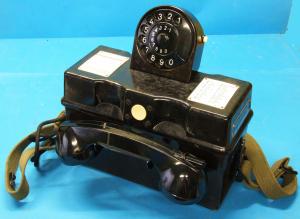Antico telefono campale con combinatore numerico esercito Tedesco