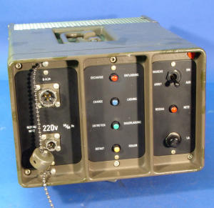 Alimentatore/ Carica batterie automatico NiCd 24Volt 6Amp