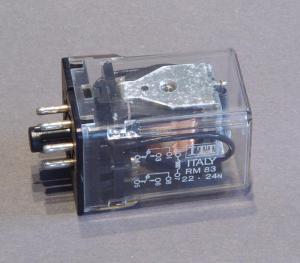Relais 2 scambi 10A bobina 24Vdc