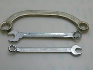 "N.3pcs. wrenches size  (3/8"") + (1/2"") + (9/16""+5/8"")"