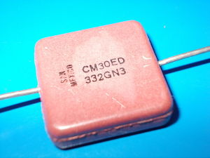 3.300pf 300Vdc Silver/Mica Capacitor