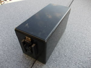 Ni/Cd battery 12V 3Ah with container