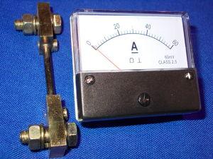 Amperometro 60Adc 70x61 completo di shunt