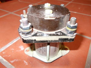 Relay Cutler Hammer 2x100Adc coil 24-28Vdc