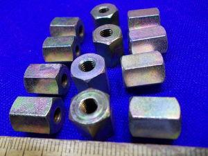 Torretta esagonale acciaio cadmiato distanziatore femmina/femmina M5x12 (n.12 pezzi)