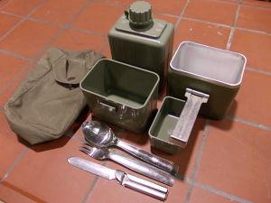 Kit militare posate,gavetta,borraccia,bicchiere, campeggio