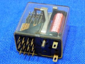 Relè tipo Siemens 24Vcc 4scambi