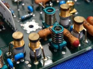 N.4 Gigatrimmer ceramic capacitor montati su scheda