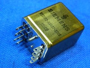 Relè SIEMENS schermato metallico stagno 2 scambi 12/24Vcc  V23152-A0422-X006