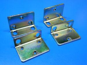 4 staffette angolari mm. 44x30x18 acciaio zincato