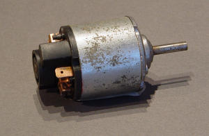 Motore 12Vcc  2A Rpm 10.000