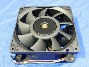 Ventola 24Vdc Brushless Delta FFB1424SHG mm.140x140x50 fan