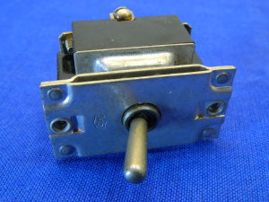 MS25105-23 Toggle switch 3way on-on 30A