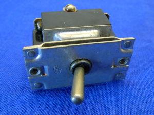 Deviatore interruttore  ON-ON 3vie 30Amp MS25105-23