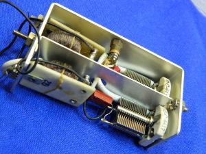 Filtro media frequenza con 2 condensatori variabili, induttanze e altro
