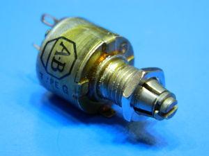 Potenziometro 5Kohm 0,5W Allen Bradley type W regolazione a vite