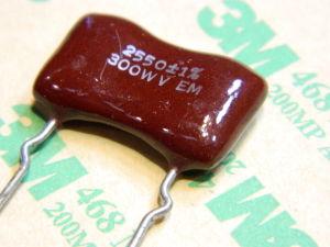 2550pF 300Vdc 1% silver/mica capacitor