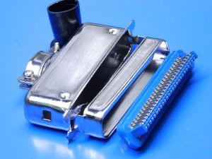 Connettore Centronics 50pin maschio con calotta metallica