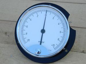 Precision manometer -10/+10 mBar