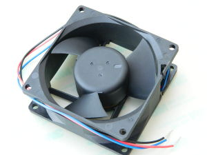 Axial fan 24Vdc brushless DELTA EFB0824EHF mm. 80x80x32