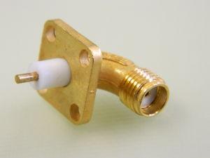 Connettore coassiale SMA-F90° flangiato dorato