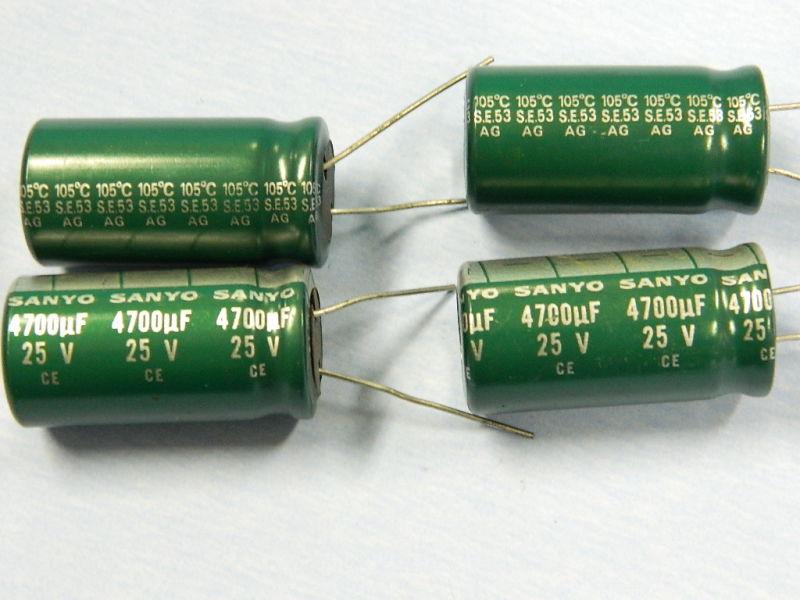 2 Pezzi Condensatori elettrolitici 4700uF 25V 105°