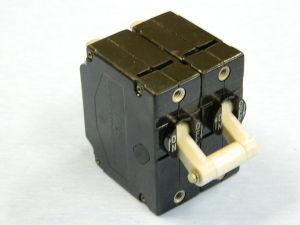 Interruttore automatico KLIXON 52MC2-123-8  8A 250Vac 50/60Hz 2 poli