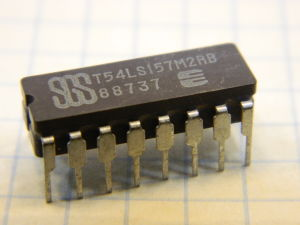 T54LS157M2RB integrated circuit