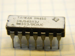 SNJ54LS113J integrated circuit