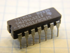 SNJ54LS21J integrated circuit