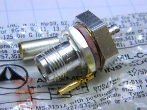 Connettore TNC femmina da pannello, cavo RG58, Amphenol MIL-C-39012