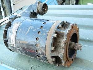 Leece Neville A0015504AB  motore generatore alternatore 28V 100A 5Kva