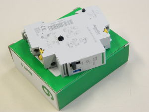 SCHNEIDER 15505 ETL impulse relay additional contact auxiliary , relè