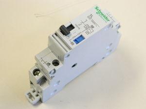SCHNEIDER 15515 TL impulse relay , 1P 32A/415V , bobina 230/240Vac relè