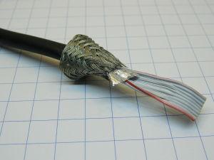 Flat cable rotondo schermato 14 poli AWG28, passo 1,27