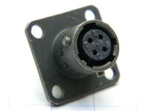 Connettore VEAM VPTO2ECV8-4S  4pin femmina da pannello