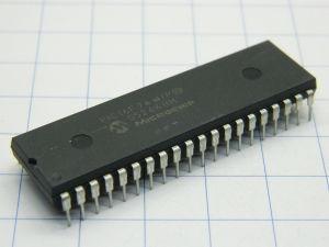 PIC 16F74 I/P microcontrollore