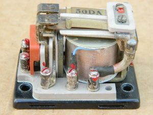 Relay 2 SPST 10A , coil 24-30Vcc, silver contacts