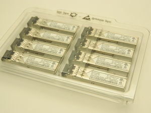 BROCADE 57-1000013-01, Optical transceiver 4G SW 850nM SFP (n.8 pezzi)