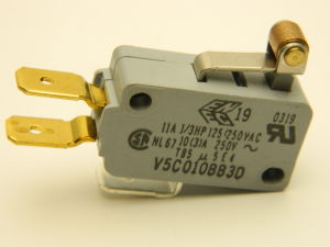 Micro Switch Honeywell V5C010BB3D 1 scambio 250Vac 10A , finecorsa con rotella