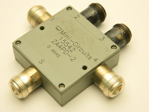 Power splitter divider MINI-CIRCUITS 15542 ZA4PD-2, 4 vie , connettori N