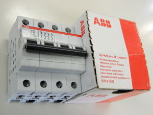Automatic switch ABB S204 C16  4 poles  System pro M compact