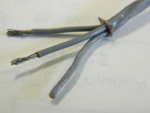 Cable 3xAWG20 teflon grey twist.