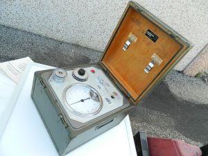DRAGER strumento di precisione in cassetta  stagna per collaudo bombole aria ossigeno
