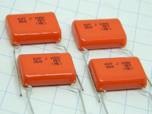 4,7uF 100V condensatore PILKOR MKT metal PETP film capacitor, cross over (n.4 pezzi)