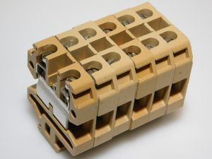 Morsetto componibile CABUR EDM10  10mmq. barra omega (n.6 pezzi)