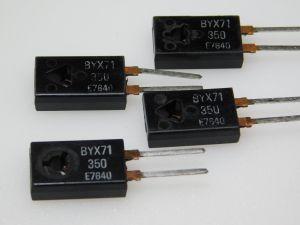 BYX71 diodo veloce 600V 7A  TO220 (n.4 pezzi)