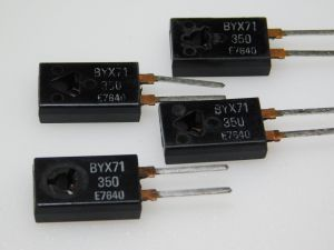BYX71 fast recovery rectifier 600V 7A TO220 (n.4pcs.)