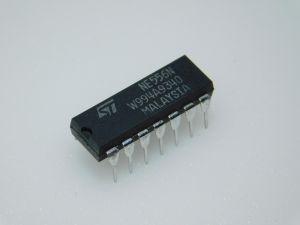 NE556N   STM   (n.25 pezzi)