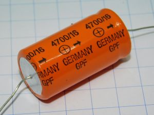 4700uF 16Vcc condensatore elettrolitico assiale SIEMENS GPF EPOXY , vintage